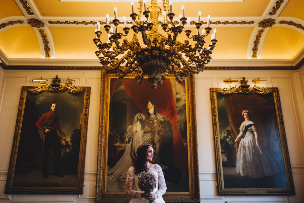 Bride in Windsor Guildhall's Chamber