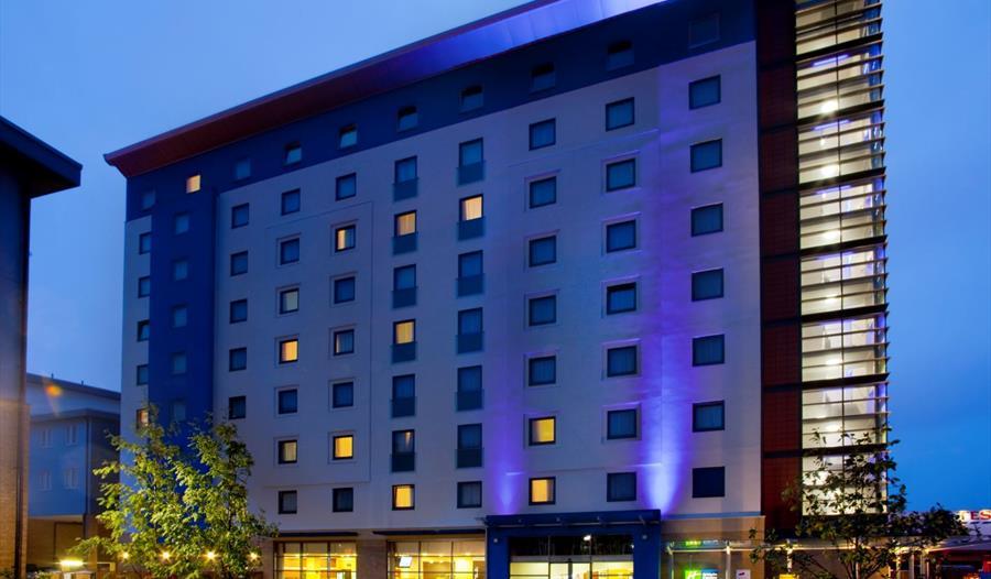 Holiday Inn Express Slough - Slough - Visit Windsor