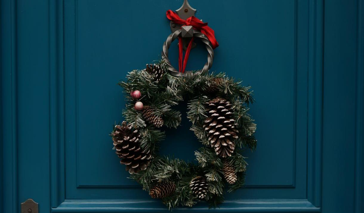 Making Christmas.Christmas Wreath Making Events At Great Fosters Visit Windsor