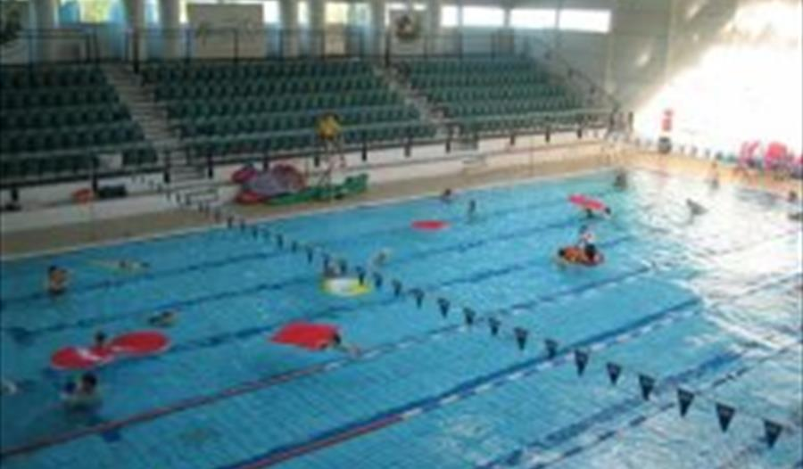 Magnet leisure centre visit windsor - Hotels in windsor uk with swimming pool ...