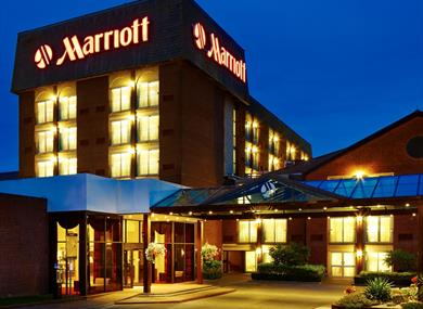 Heathrow Windsor Marriott Exterior