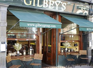 Gilbey's Bar, Restaurant & Townhouse