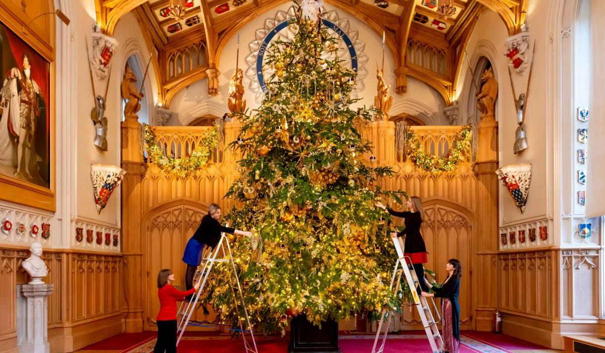 Christmas at Windsor Castle: Christmas tree in St George's Hall